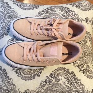 NWOT leather Converse size 8.